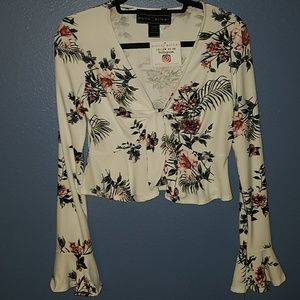 Juniors PollyandEsther Floral Blouse